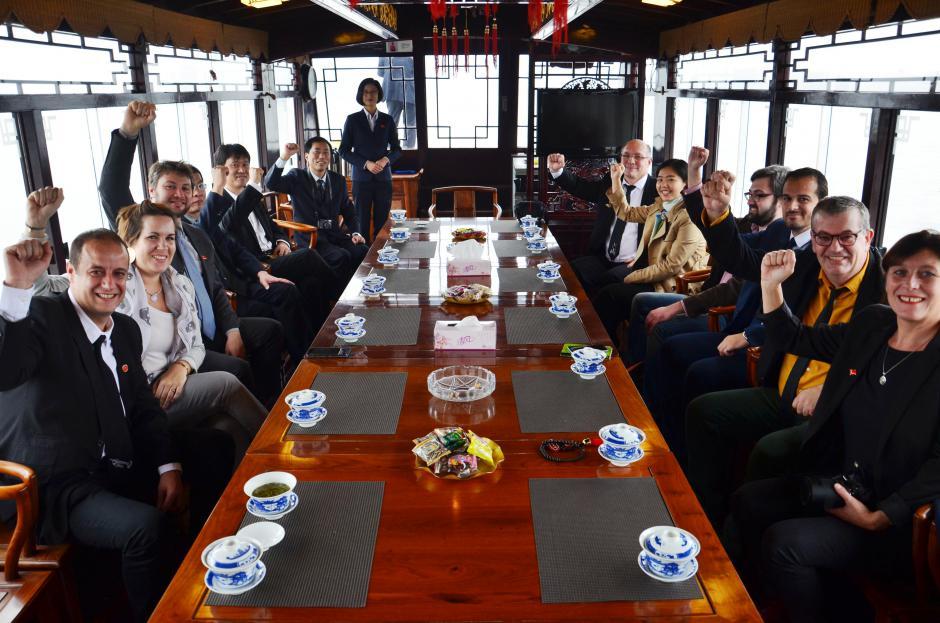 Le rêve chinois: construction un pays socialiste riche, prospère et démocrate