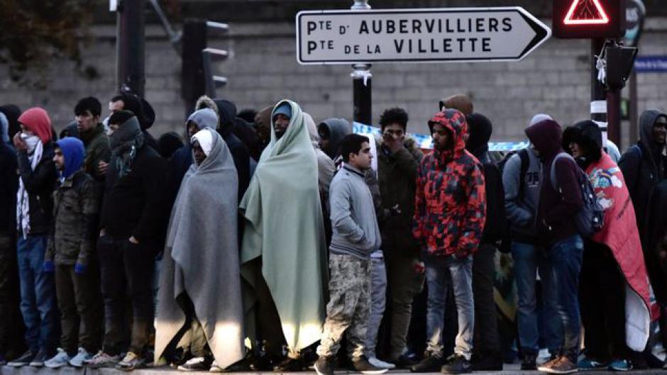 Migrants à Paris: une politique en perte d'humanité
