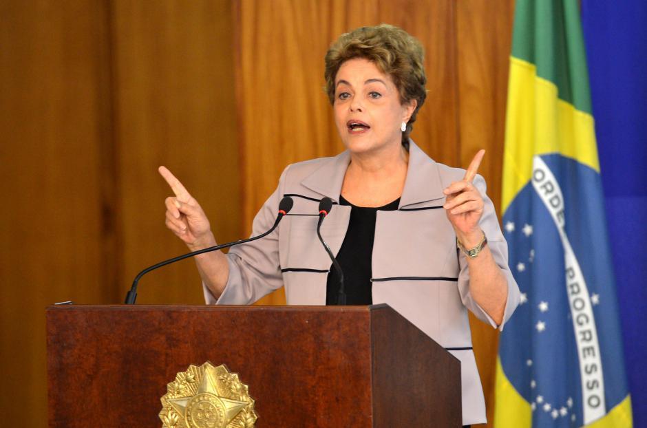 Le PCF condamne le coup d'État et réaffirme sa solidarité avec la présidente Dilma Rousseff
