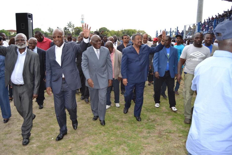 Le Gabon à la croisée des chemins  (PCF)