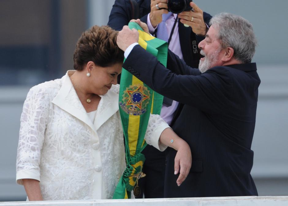 Brésil/Dilma Rousseff: Le PCF condamne le coup d'Etat institutionnel en cours