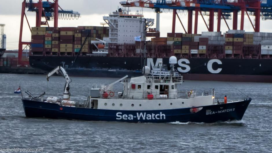 Stop à la criminalisation du sauvetage en mer: libérez Carola Rackete et Pia Klemp!