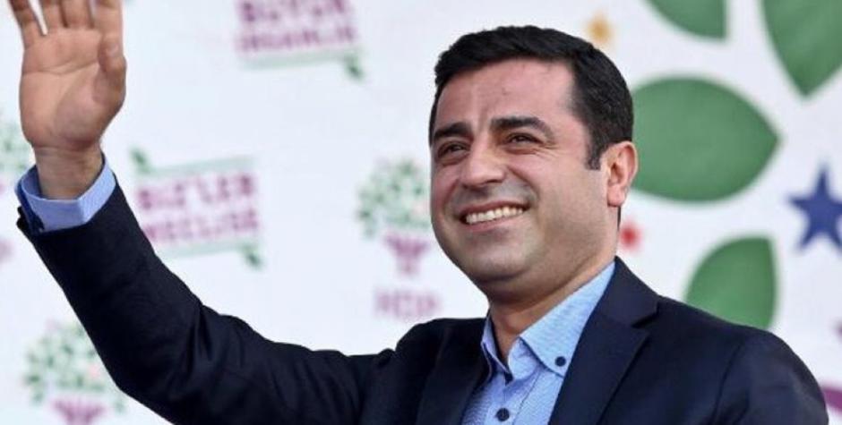 La Turquie assassine le leader kurde S. Demirtas